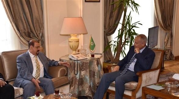 الأمين العام لجامعة الدول العربية أحمد أبو الغيط ورئيس مجلس النواب اليمني سلطان البركاني (من المصدر)