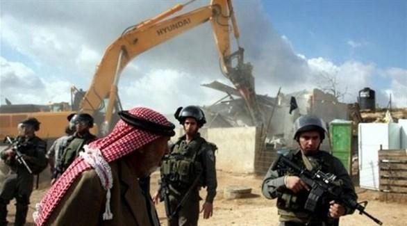 جرافات الاحتلال الإسرائيلي تهدم بيتاً لعائلة فلسطينية (أرشيف)