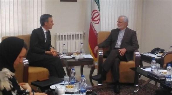 رئيس المجلس العلاقات الدولية الإيرانية كمال خرازي وزير الدولة البريطاني للشرق الأوسط أندرو موريسون (أرشيف)