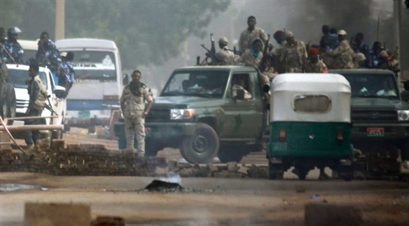 عسكريون سوادنيون في الخرطوم (الراكوبة)