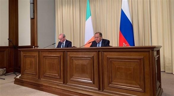 وزير الخارجية الروسي لافروف ونظيره الإيرلندي كوفيني (تويتر)