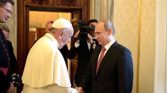 الرئيس الروسي فلاديمير بوتين والبابا فرنسيس (أرشيف)