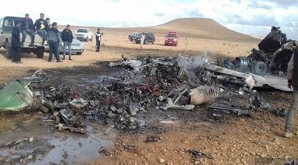 حطام طائرة عسكرية في ليبيا (ارشيف)