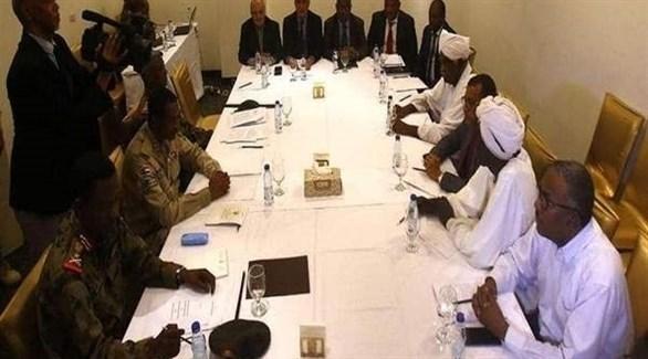 اجتماع سابق للمعارضة السودانية مع المجلس العسكري الحاكم (أرشيف)