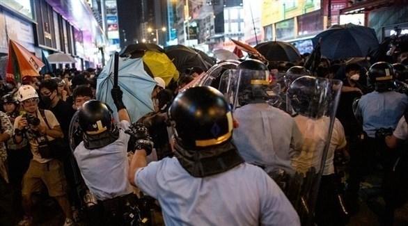 اشتباكات بين الشرطة ومتظاهرين في هونغ كونغ (إ ب أ)