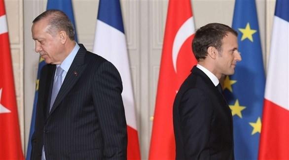 الرئيس الفرنسي إيمانويل ماكرون والرئيس التركي رجب طيب أردوغان (أرشيف)