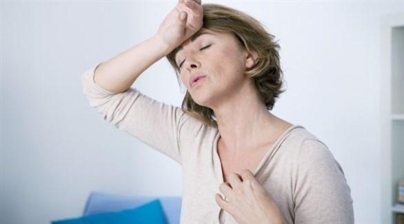 تستمر الهبات الساخنة عامين لدى معظم السيدات (تعبيرية)