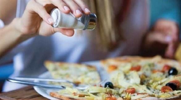 الملح الزائد يضعف على القدرة على امتصاص الكالسيوم (تعبيرية)