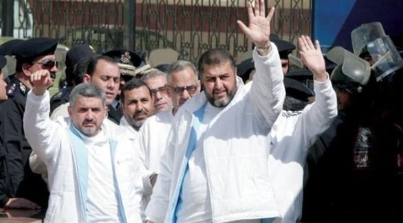 أبرز قيادات جماعة الإخوان الإرهابية خيرت الشاطر وحسن مالك (أرشيف)