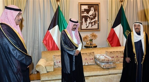أمير الكويت وولي عهده في مراسم أداء اليمين الدستورية لرئيس الوزراء الجديد (كونا)