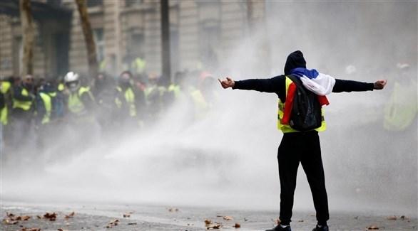 متظاهر من السترات الصفراء في باريس (أرشيف)