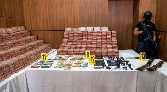مخدرات وأسلحة ضبطتها الشرطة المغربية في عملية سابقة (أرشيف)