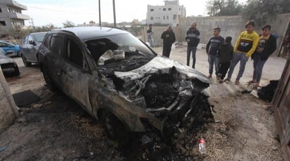 مركبة محترقة من قبل المستوطنين في الضفة (أرشيف)