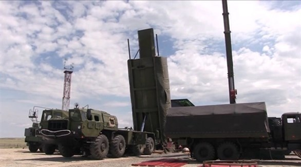 صاروخ أفانغارد الروسي على منصة إطلاق متنقلة (أرشيف)