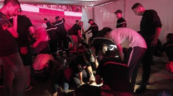 عناصر الإنقاذ تسعف جرحى الحفل الموسيقي (أرشيف)