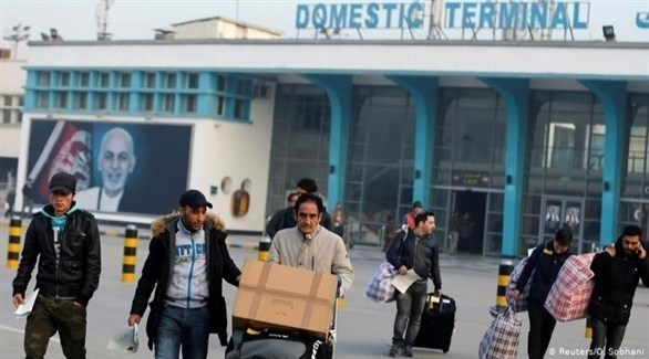 وصول لاجئين أفغان مرحلين من ألمانيا إلى مطار كابول (أرشيف)