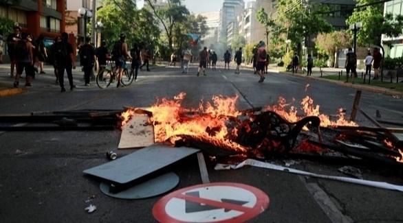 مظاهرات في شوارع بروبيدنثيا بالعاصمة التشيلية سانتياغو (أرشيف)