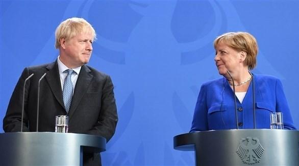 المستشارة الألمانية أنجيلا ميركل ورئيس الحكومة البريطانية بوريس جونسون (أرشيف)