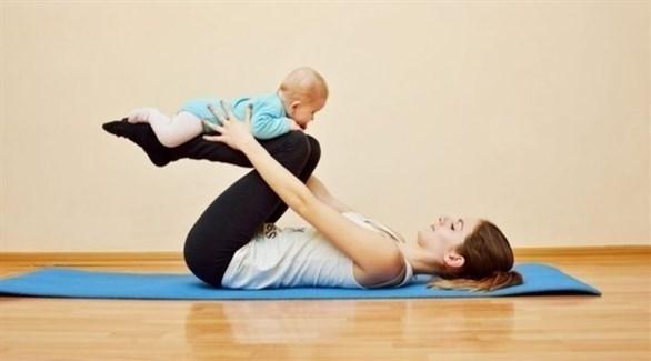التمارين تحسن الحالة النفسية للأم (تعبيرية)