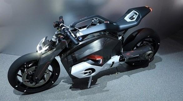 بي إم دبليو تشحن دراجاتها الكهربائية بطريقة مبتكرة