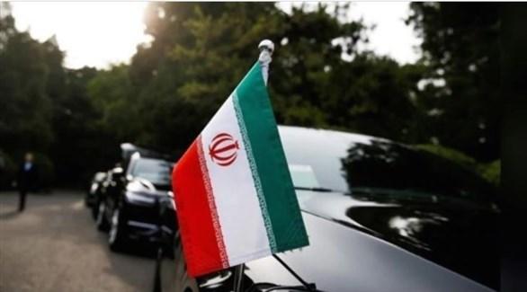 العلم الإيراني مرفوعاً على إحدى السيارات الدبلوماسية (أرشيف)