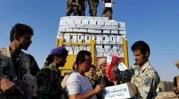 نهب للمساعدات في اليمن (من المصدر)
