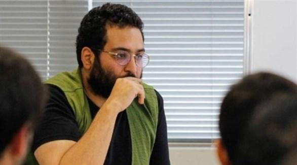 الكاتب الإيراني الساخر كيومارث مرزبان (إيران إنترناشيونال)