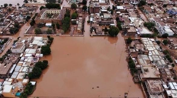 مياه الأمطار تغرق أجزاءً من العاصمة السودانية الخرطوم (تويتر)