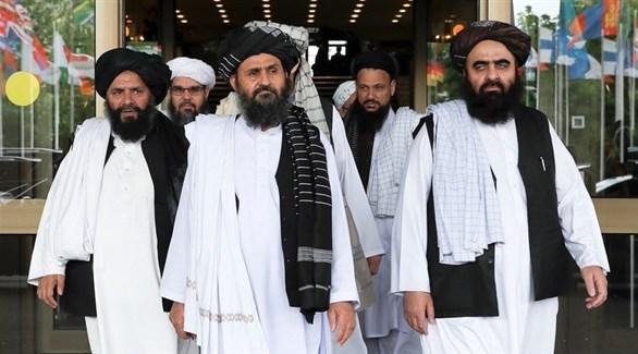 مفاوضون من حركة طالبان خلال مباحثات السلام مع واشنطن لإنهاء الحرب مع الحكومة في أفغانستان (أرشيف)
