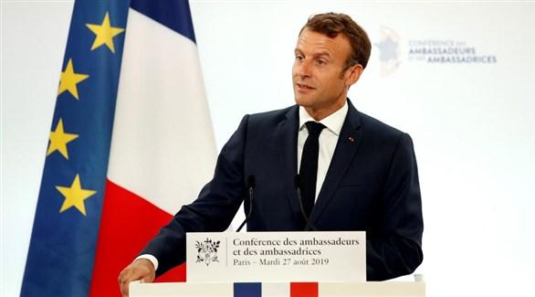 الرئيس الفرنسي إيمانويل ماكرون في كلمته أمام سفراء بلاده اليوم (رويترز)