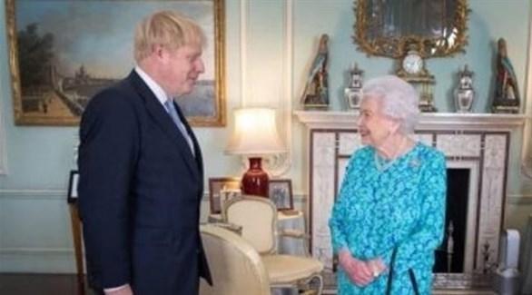 ملكة بريطانيا إليزابيث الثانية ورئيس الحكومة بوريس جونسون (أرشيف)