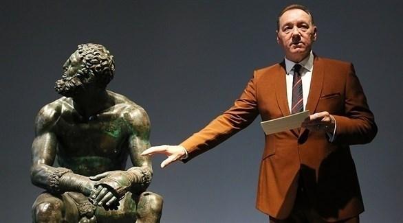 كيفن سبيسي أثناء ظهور في متحف الفنون الروماني