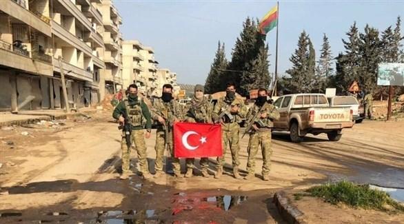 مسلحون من فصيل موالٍ لتركيا في عفرين (أرشيف)