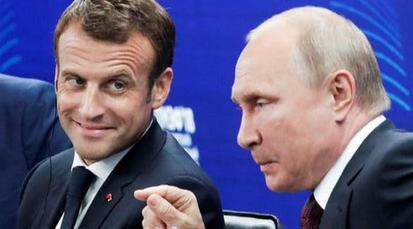 الرئيس الفرنسي إيمانويل ماكرون ونظيره الروسي فلاديمير بوتين (أرشيف)