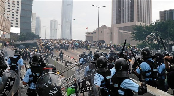 مواجهات بين الشرطة ومتظاهرين في هونغ كونغ (أرشيف)