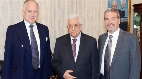 عباس ولاودر (الأول من اليسار) في اجتماع سابق في عمان (أرشيف)