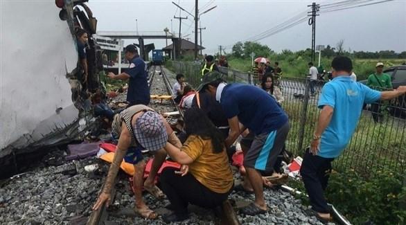 جانب من عمليات انقاذ الجرحى في بانكوك (تويتر)