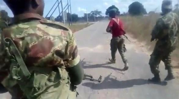 مسلحون في موزمبيق (أرشيف)