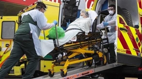 نقل مريض كورونا إلى المستشفى في لندن (أرشيف)
