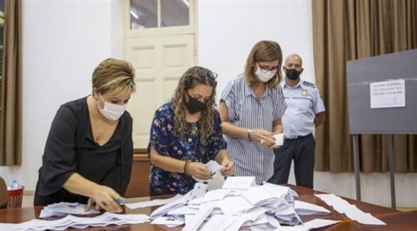مركز لفرز الأصوات في قبرص الشمالية (أ ب)