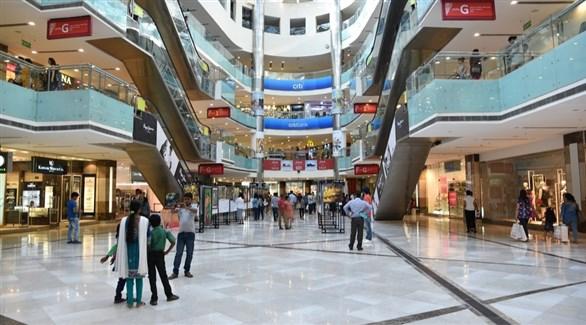 هنود في مركز تسوق بنيودلهي (أرشيف)