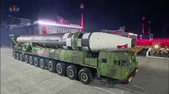 كوريا الشمالية تستعرض صاروخي بالستي عابر للقارات (أرشيف)