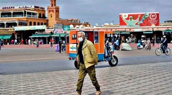 مغربي في ساحة جامع الفنا بمدينة مراكش (أرشيف)