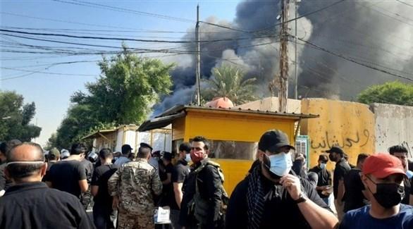 الدخان المتصاعد من مقر الحزب الكردستاني (تويتر)