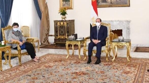 الرئيس المصري عبدالفتاح السيسي ووزيرة الخارجية الإسبانية (تويتر)