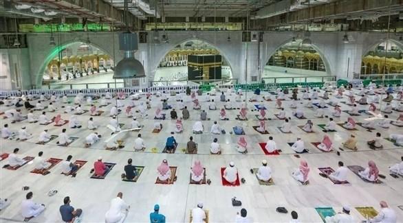 مصلون في مكة المكرمة (أرشيف)