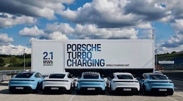 وحدة شحن متنقلة للسيارات الكهربائية من بورش (بيزنس إنسايدر)