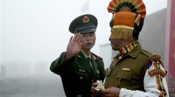جندي هندي وصيني (أرشيف)