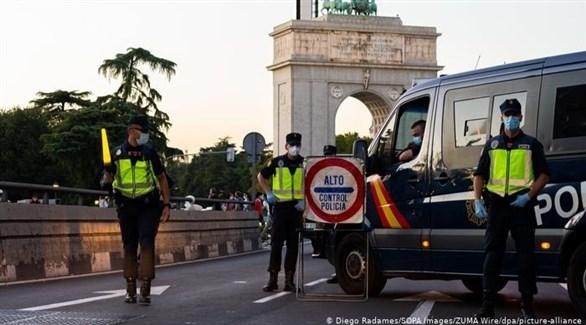 عناصر من الشرطة الإسبانية في مدريد (أرشيف)