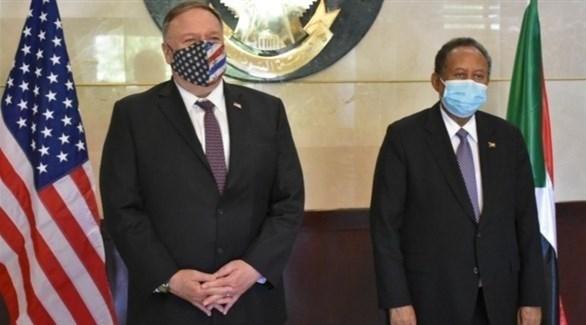 وزير الخارجية الأمريكي مايك بومبيو ورئيس الحكومة السودانية عبدالله حمدوك (أرشيف)
